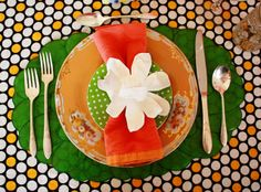 Aunt Peaches: Friday Flowers: Paper Plate Magnolias