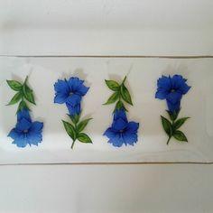#lasilautanen #sininen kukka #kultareunus #liisako #vanhat tavarat