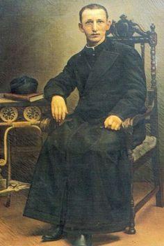 El Testigo Fiel - Santoral: Luis VariaraEl P.  Nació el 15 de enero de 1875 en Viarigi (Asti, Italia). En 1856 había estado allí Don Bosco para predicar una misión. Y fue a Don Bosco a quíen su padre confió el hijo, llevándoselo a Valdocco el 1 de octubre de 1887. El santo morirá cuatro meses más tarde, pero Luis llegó a conocerlo como para quedar marcado por toda la vida. Así recuerda él mismo el evento: «Estábamos en la estación de invierno Jugábamos una tarde en el amplio patio...