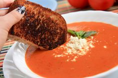 Fresh Tomato Soup Tomatoe soup(scratch) from extra garden tomatoes.Tomatoe soup(scratch) from extra garden tomatoes. Tomato Soup Grilled Cheese, Fresh Tomato Soup, Tomato Soup Recipes, Tomato Tomato, Tomato Plants, Tomato Soup From Scratch, Cooking Recipes, Healthy Recipes, Budget Recipes