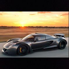Hennessy Venom GT Hits 265.7mph