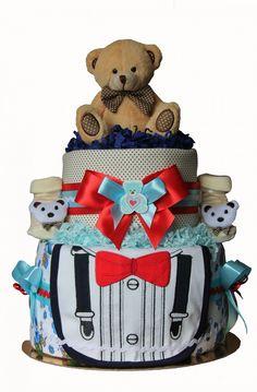 Двухэтажных торт из памперсов (60 шт.), две пеленки, нагрудник, пинетки, игрушка