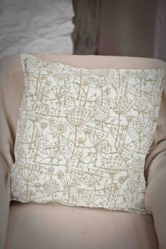 Printed Paint Rollers cushions printed with tussock patterned paint roller | quiltin