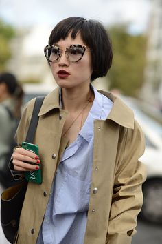 Los mejores looks de Street Style de la París Fashion Week http://stylelovely.com/galeria/los-mejores-looks-de-streetstyle-de-la-paris-fashion-week/