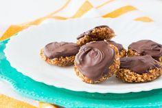 Vegan coconut date cookies Sin Gluten, Vegan Gluten Free, Yummy Snacks, Delicious Desserts, Date Cookies, Sweet Cooking, Breakfast Dessert, Raw Vegan, Vegan Recipes