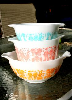 butterprint... I was gifted the turquoise casserole with lid today.... DESPERATELY SEEKING PINK AND ORANGE!!!!!!
