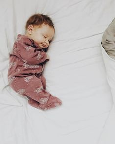 Uploaded by Bella Montreal. Find images and videos about cute, adorable and baby on We Heart It - the app to get lost in what you love. Lil Baby, Baby Kind, Little Babies, Cute Babies, Baby Boy, Babies Pics, I Want A Baby, Kid Pics, Baby Girls