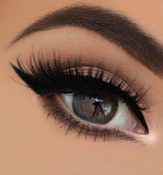 Natural eye look.