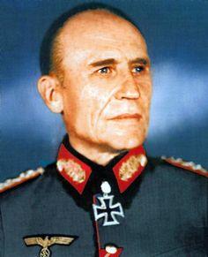 ✠ Friedrich Kirchner (26 March 1885 - 6 April 1960) RK 20.05.1940 Generalleutnant Kdr 1. Pz.Div 12.02.1944 [391. EL] General der Panzertruppe K.G. LVII. Pz.K. 26.01.1945 [127. Sw] General der Panzertruppe K.G. LVII. Pz.K.