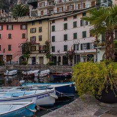 Da fare sul Lago di Garda: leggere tutti i nomi delle barche in un porto a caso tipo quello di Limone e ogni volta stupirsi.