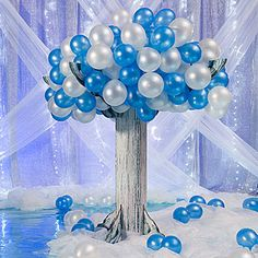Wintry Balloon Tree
