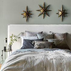 Une chambre blanche et cosy