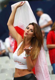 Hottest football fans at Euro Polish babes take the title Hot Football Fans, Football Girls, Soccer Fans, Hot Fan, Russia 2018, Sporty Girls, Sports Women, Beauty Women, Beautiful People