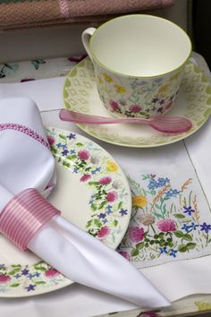 This lovely design illustrates a glorious English meadow on a bright summers day!