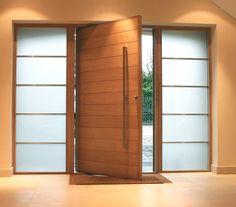 As portas pivotantes adicionam estética e elegância a qualquer projeto. Confira dicas e aprenda a escolher o melhor modelo para os seus ambientes.