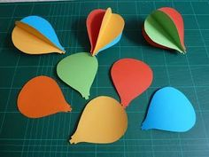 VERY good tutorial on how to make stock card hot air balloons. Just bought the … VERY good tutorial on how to make stock card hot air balloons. Just bought the paper today! Hot Air Balloon Paper, Diy Hot Air Balloons, Hot Air Ballon Diy, Hot Air Balloon Craft For Kids, Balloon Crafts, Balloon Decorations, Balloon Template, Origami, Paper Mobile