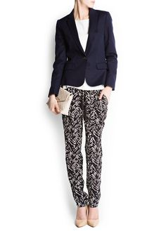 Print trousers. Love the style with loose pants and a blazer.