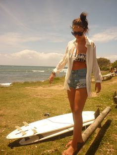How I wish I could be there right now! Summer beach outfit for sure