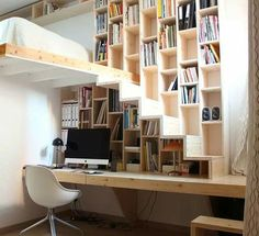 Brillant design, great for a Innovative Ways to Line Your Stairs with Bookshelves Tiny House Movement // Tiny Living // Tiny House on Wheels // Tiny Home Office // Tiny House Office // Tiny Home Staircase Bookshelf, Cool Bookshelves, Loft Stairs, Bookshelf Ideas, Tiny House Stairs, House Staircase, Staircase Ideas, Bedroom With Bookshelves, Staircase Glass