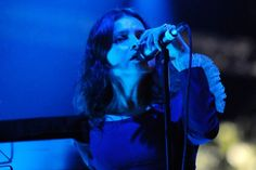 「mazzy star into dust」の画像検索結果 Hope Sandoval, Coachella 2012, Mazzy Star, Band B, Tupac Shakur, Indie, Stars, Concert, Musicians
