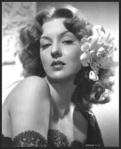 Ann SAVAGE '40 (19 Février 1921 - 25 Décembre 2008)