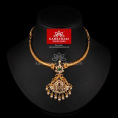 Traditional gold necklaces for women from the house of Kameswari. Shop for antique gold necklace, exquisite diamond necklace and more! Gold Jewelry Simple, Black Jewelry, Gold Earrings Designs, Necklace Designs, Gold Choker Necklace, Antique Jewellery, Gold Jewellery, Chocker, Jewels