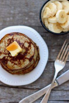 え?砂糖も小麦粉も使わない!?簡単&ヘルシーなシンプルパンケーキレシピ | by.S
