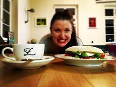 Good morning OFFENBURG!! First I do the coffee… ☕ Then I eat my fresh PANINI!!  Täglich ab 7 im Z Café…
