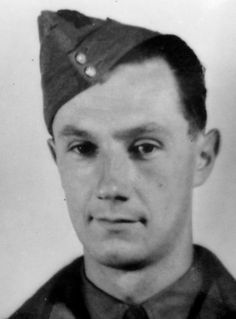 George Alfred Wilkinson, code name 'Étienne'. Parachuted into France on April 5, 1944, arrested on June 26 1944 and deported to Buchenwald concentration camp. There he was shot on October 5, 1944.