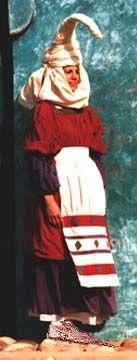 Erdi Aro - Middle Ages - Zenbat Gara - reproduction Basque garments