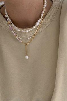 Nail Jewelry, Cute Jewelry, Beaded Jewelry, Jewelry Accessories, Fashion Accessories, Jewlery, Dainty Jewelry, Jewelry Trends, Piercings