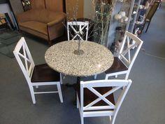 runder Marmor tisch mit vier stühle bei HIOB Muttenz http://hiob.ch/schnaeppchen/runder-marmor-tisch-mit-vier-stuehle #Schnäppchen #Trouvaille