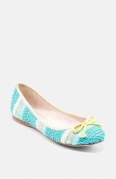 Vince Camuto #flats #shoes http://pinterest.com/nfordzho/shoes-flats/