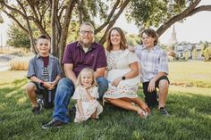 Email me to book today! Family Picture Colors, Summer Family Pictures, Outdoor Pictures, Utah Photographers, Extended Family, Real People, Family Photographer, Photo Sessions, Photoshoot