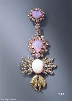 1724 German: Order of the Golden Fleece medal of opal cabochons, rose diamonds, silver and gold (by Jean-Jacques Pallard for Augustus the Strong)