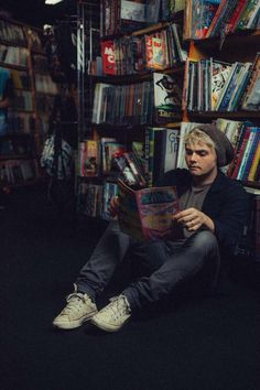 I love this pic, even if it was not Gerard, I would still love it