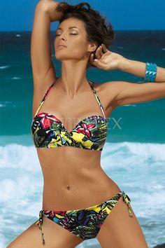 Dvoudílné plavky Joi s tropickými motivy! Plavky jsou vyrobené z moderního  rychleschnoucího materiálu Košíčky se skrytými klasickými kosticemi ad4aac678f