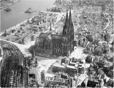 Köln Cathedral area in 1945 just after WWII.