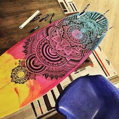 • JEYKILL • @jeykill_bleunoir Vernissage de l'exposition • #gonesurfing • Vendredi 10 Juin • 17h • 4 Avenue Voltaire - 64200 BIARRITZ • #bleunoir #bleunoirtattoo #biarritz #paris #lesabesses #black #ink #tattoo #tatts #tattooartist #art #posca #custom #surf #surfboard #jeykill #supakitch #veenom #littlemadi #koralie #violette #mastcora #franckpelkegrino #stephanecarricondo #vsco #vscocam #picoftheday