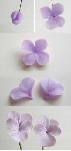 Pansies in gumpaste Fondant Flower Tutorial, Fondant Flowers, Sugar Flowers, Paper Flowers, Polymer Clay Kunst, Polymer Clay Projects, Polymer Clay Creations, Crea Fimo, Gum Paste Flowers