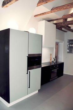 SkabRum, Kitchen made of smoked oak & cabinets with linoleum #kitchen #kitcheninspo #kitchendecor #smokedoak #wood #design #ryesgade #skabrum #oak #homedecor #danishdesign #handcrafted #carpentry #interior #nordichome #cabinet #linoleum #pistachio