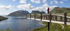 Bergsbotn viewpoint along Senja National Tourist Route, Northern Norway - Photo: Werner Harstad / Statens vegvesen Safari, Lofoten, The Places Youll Go, Places To Visit, Land Of Midnight Sun, Les Fjords, Norway Viking, Lapland Finland, Visit Norway