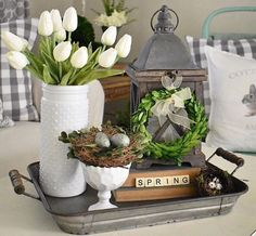Looking for the best Spring & Easter Decor Ideas. Here are the cutest & fresh DIY Spring and Easter Decorations ideas including centerpieces, Mantle & craft Kitchen Decorating, Decorating Coffee Tables, Tray Decor, Decoration Table, Diy Spring Decorations, Centerpiece Ideas, Wall Decor, Spring Home Decor, Diy Home Decor