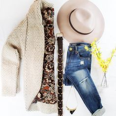 Gorgoues fall flatlay style! Find more looks for every occasion on FrontDoorFashion.com Front Door Fashion (@frontdoorfashion) • Instagram photos and videos #personalstylingservice #morestyle #lessstruggle #stylist