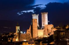 Pacentro, night view of castle