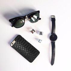 Carcasa de móvil imitando piel de serpiente #moda #hombre #modamasculina #bisuteríahombre #pulserashombre #DaWanda #fashion  #hechoamano #diseño #handmade #DIY