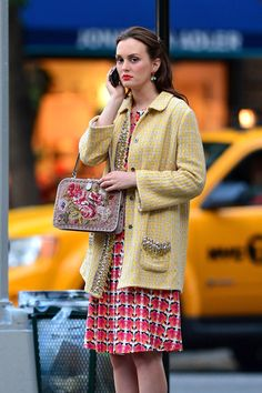 For let's look back at the things the Gossip Girl's ultimate Queen B thought us. The fashion and life lessons from Blair Waldorf Blair Waldorf Outfits, Blair Waldorf Stil, Blair Waldorf Quotes, Estilo Blair Waldorf, Gossip Girls, Mode Gossip Girl, Gossip Girl Outfits, Gossip Girl Fashion, Gossip Girl Style