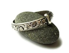 This list contains 50 best gift ideas for Outlander TV Series Fans. There are so many amazing gifts that you can purchase for someone in your life that loves Outlander TV Series' characters, … Big Wedding Rings, Celtic Wedding Rings, Blue Wedding, Wedding Bands, Trendy Wedding, Wedding Hair, Outlander Wedding, Starz Outlander, Celtic Rings