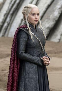 game of thrones costumes ~ game of thrones ; game of thrones wallpaper ; game of thrones tattoo ; game of thrones quotes ; game of thrones cast ; game of thrones funny ; game of thrones memes ; game of thrones costumes Daenerys Targaryen Dress, Emilia Clarke Daenerys Targaryen, Game Of Throne Daenerys, Clarke Game Of Thrones, Game Of Thrones Art, Game Of Thrones Clothing, Game Of Thrones Dress, Narnia, Got Costumes