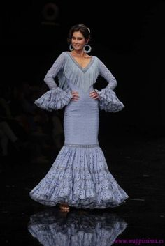 Flamenco Costume, Flamenco Dancers, Flamenco Dresses, Spanish Dancer, Spanish Fashion, Fishtail, Embroidery Patterns, Dress To Impress, Gowns